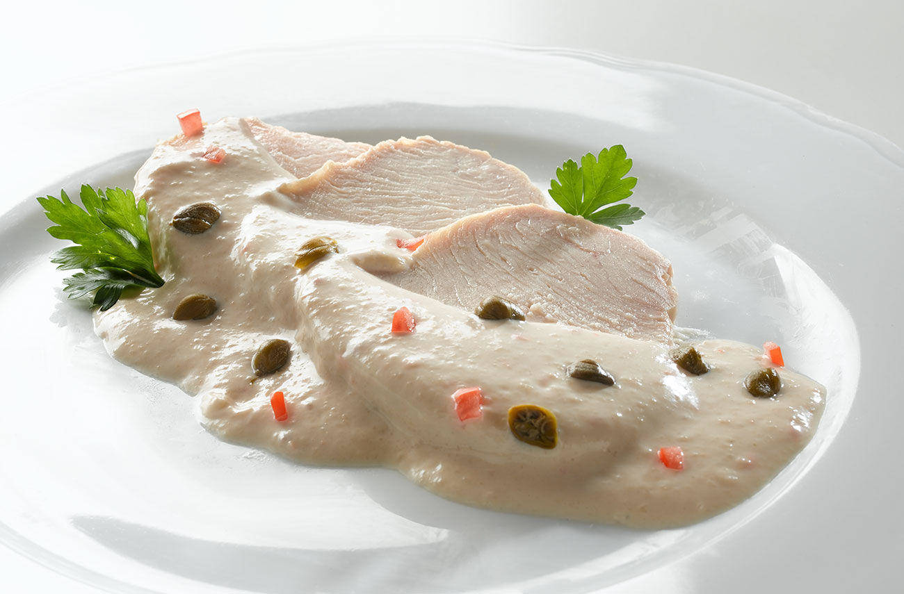 Turkey with tuna and yoghurt sauce